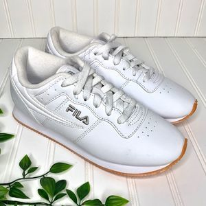 NWOT Fila White Lace Up Athletic Sneakers Shoes